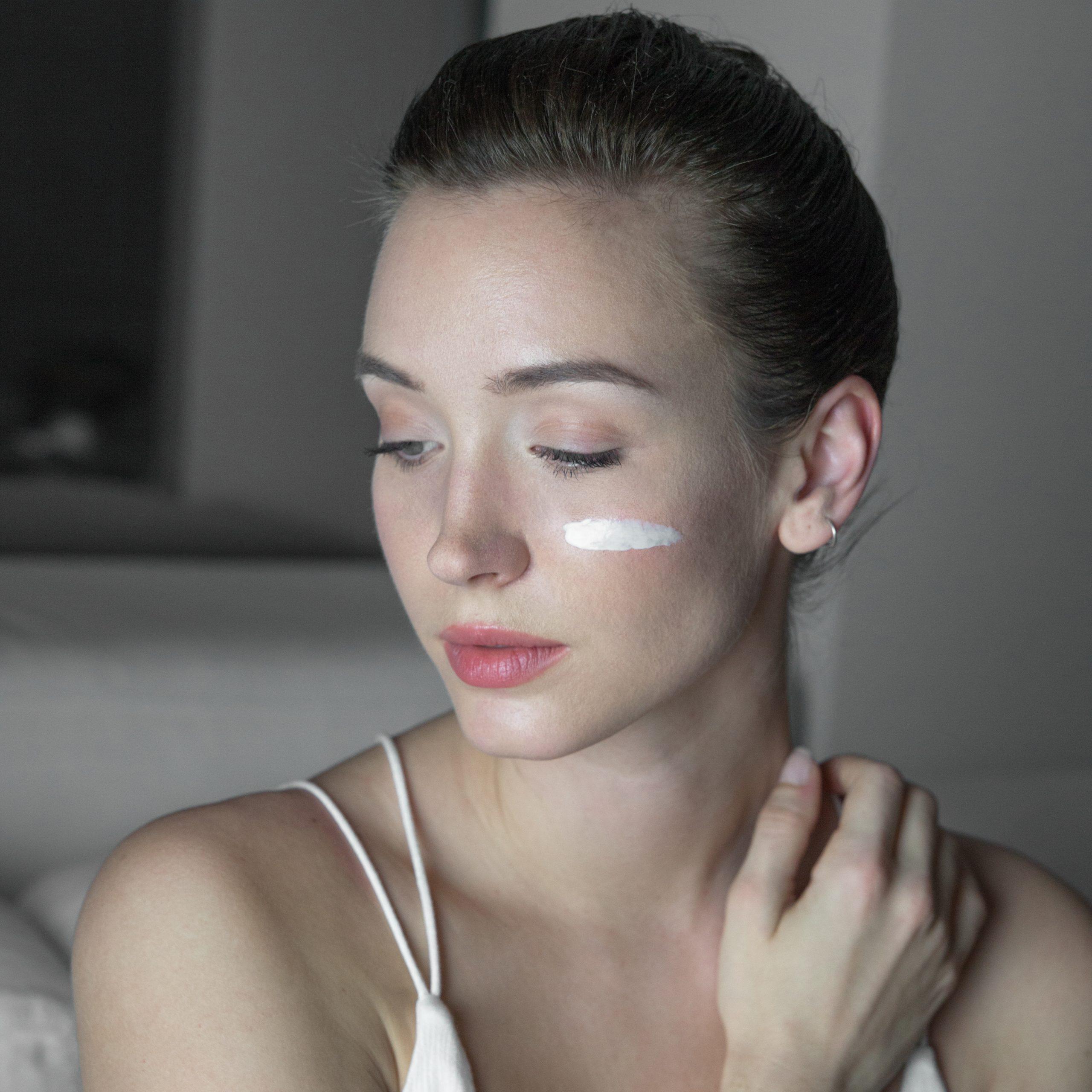 Come applicare la crema per il viso?
